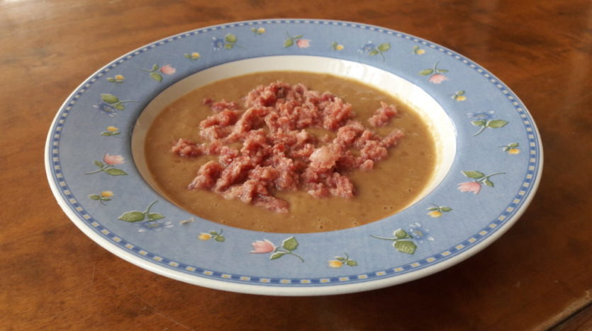 Crema di lenticchie con Zampone arrostito