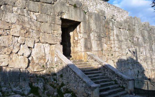 La_Porta_Maggiore_-_panoramio