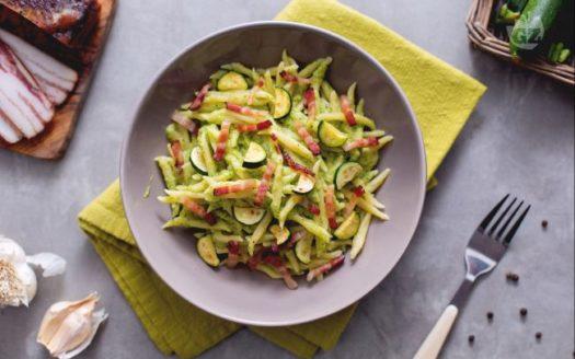Trofie alla Crema di Zucchine e Guanciale Croccante