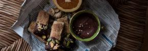 Shortbread farciti al cioccolato e frutta secca